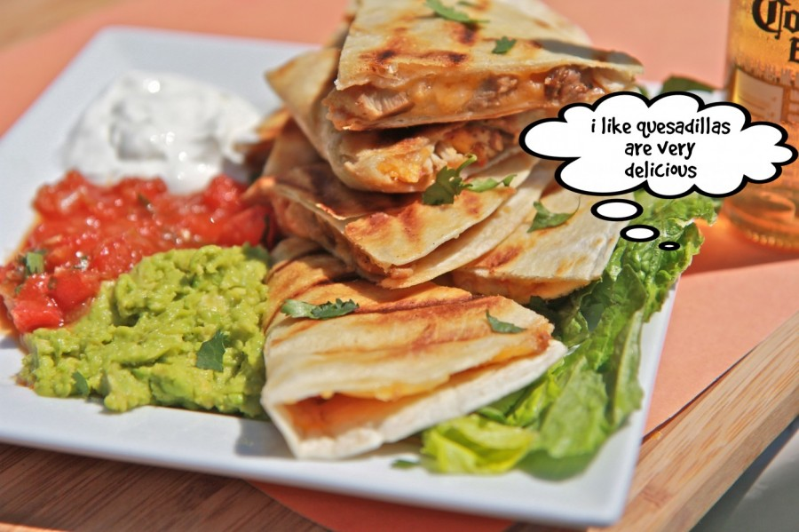 i like quesadillas are very delicious  | phrase.it